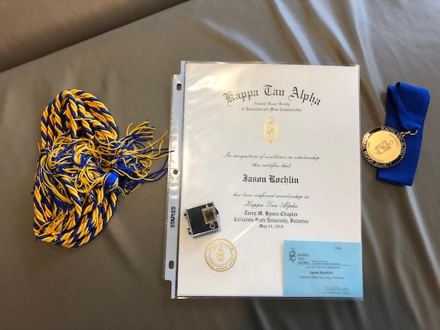 Graduation hardware